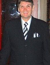 John 68 y.o. from USA